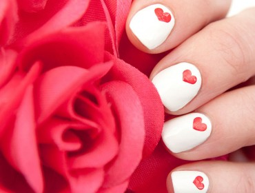 идеи за маникюр за Свети Валентин